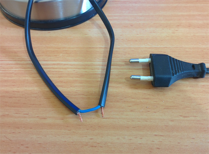 bulb-220v-open-wires